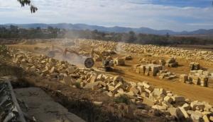 Sandstone blocks World field