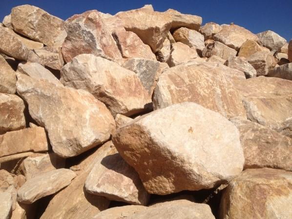 Random Boulders Natural