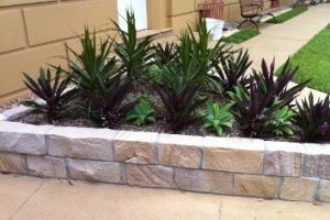 Sandstone Split Faced Garden Edging Full